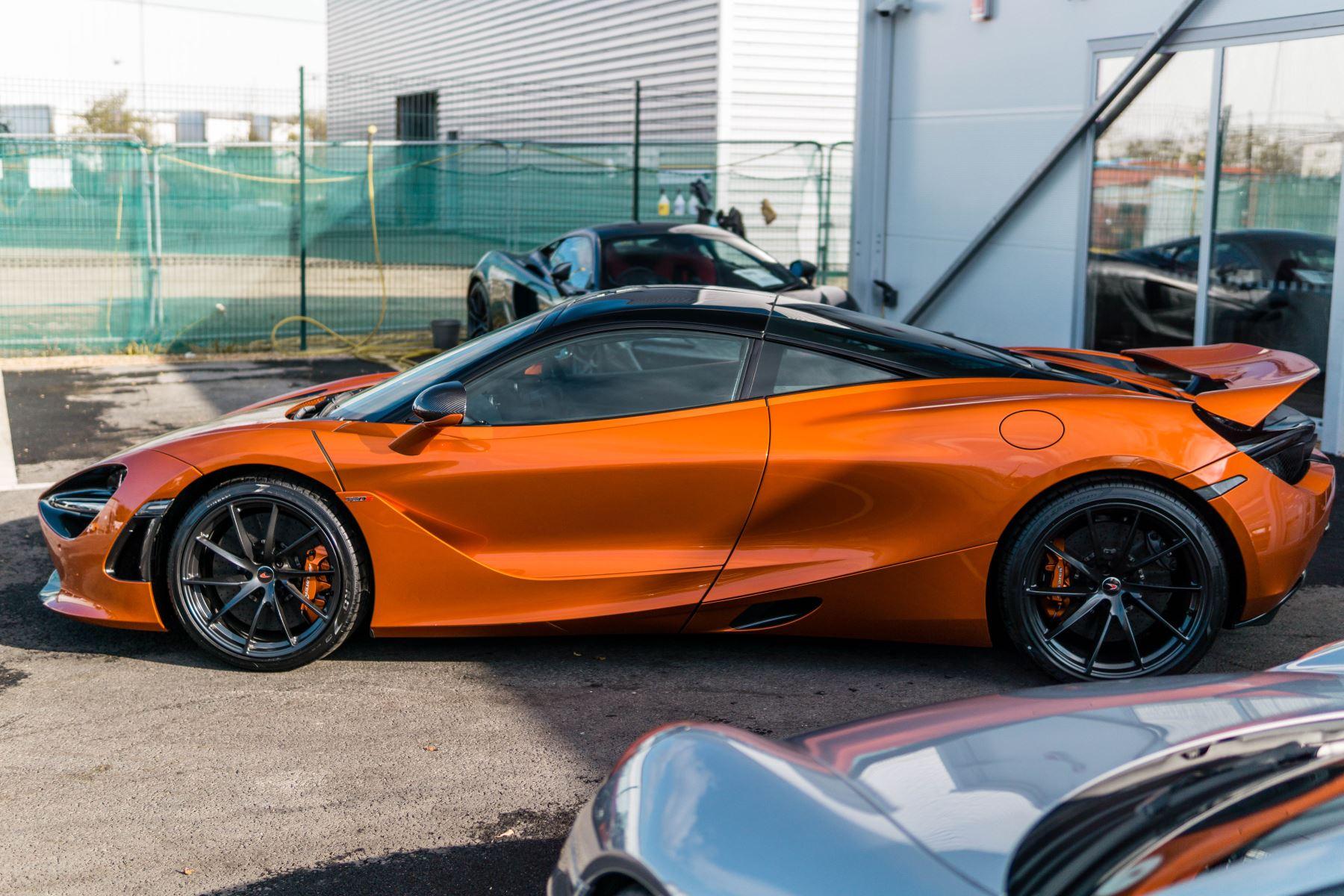 McLaren 720S V8 2dr SSG PERFORMANCE image 3
